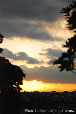 雲間 夕陽
