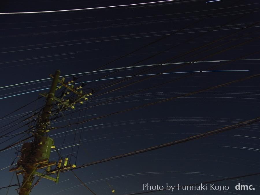 電線越し、南側の星空